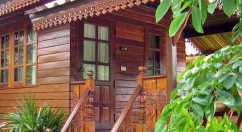 รีสอร์ทของเราที่ เขาใหญ่, บ้านศรันยา ให้บริการบ้านพักและร้านอาหาร. Baan Saranya, resort in Khao Yai